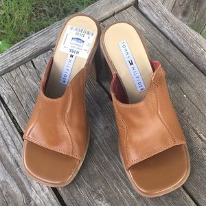 NEW! Tommy Hilfiger open toed sandals size 6.5